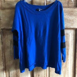 American Eagle Outfitters Blue 3/4 sleeve Sweater